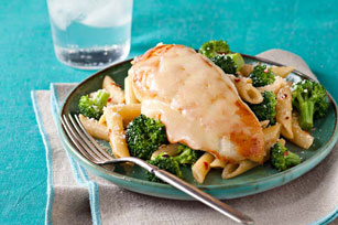 Plat de poulet à la toscane et pennes au brocoli
