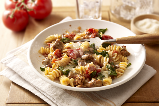 tomato-spinach-pasta-toss-104507 Image 1