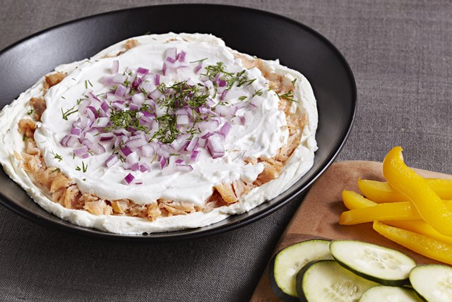 PHILADELPHIA Smoked Salmon and Cream Cheese Dip Image 1
