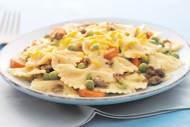 Cheesy Beef & Veggie Pasta Image 1