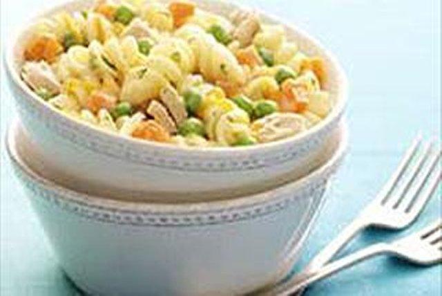 Cheesy Tuna Noodle Skillet Image 1