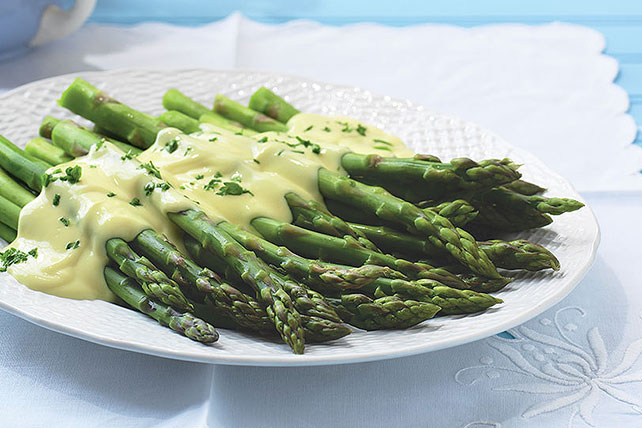 Simple Hollandaise Sauce Image 1