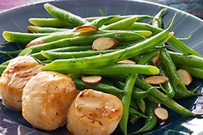 Pan-Seared Sea Scallops and Green Beans Amandine for Two