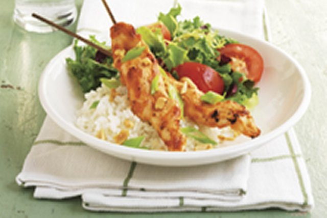 easy-chicken-skewers-peanut-sauce-105223 Image 1