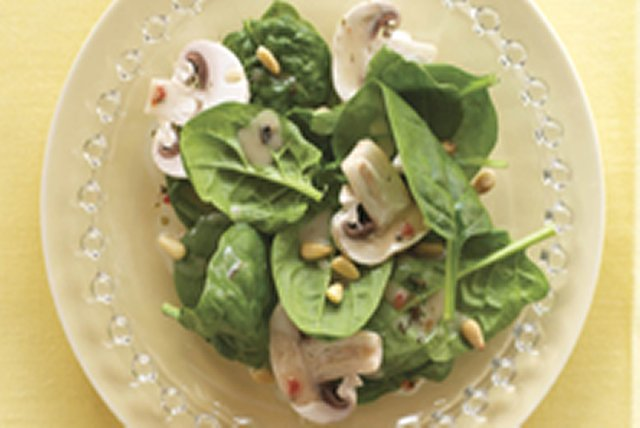 Spinach Salad with Creamy Maple Dressing Image 1