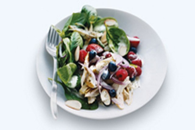 Chicken Berry Spinach Salad Image 1