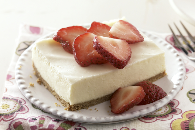 Gâteau au fromage PHILADELPHIA à la mode de New York garni de crème sure  Image 1