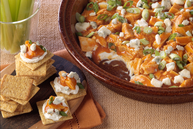 PHILADELPHIA Buffalo Chicken Dip