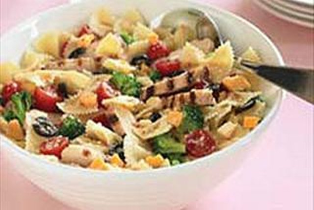 chicken-bow-tie-pasta-salad-106244 Image 1