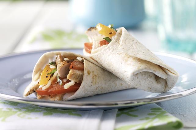 Sandwich roulé au poulet, au fromage mozzarella et à la vinaigrette balsamique Image 1