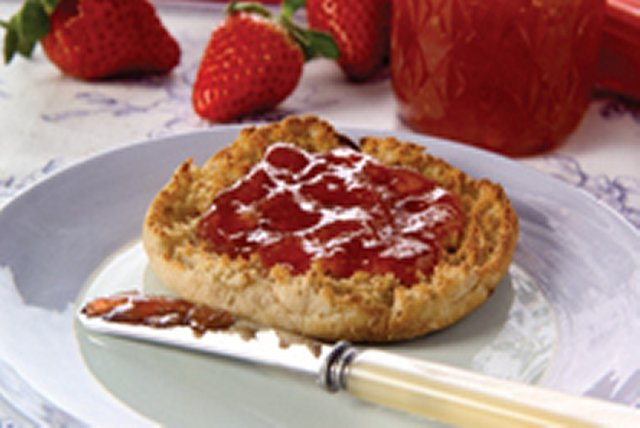 No-Cook No-Sugar Light Strawberry Spread