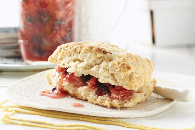 No-Cook No-Sugar Light Blueberry and Strawberry Spread Image 1