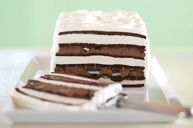"OREO Cookie & Fudge Ice Cream ""Cake"" Image 1"
