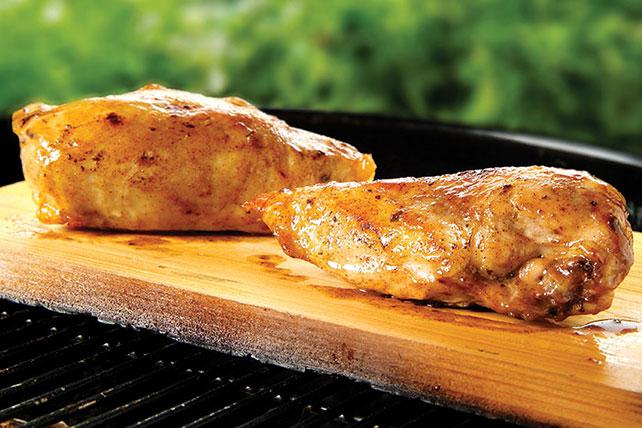 Pollo con miel en tabla de cedro Image 1