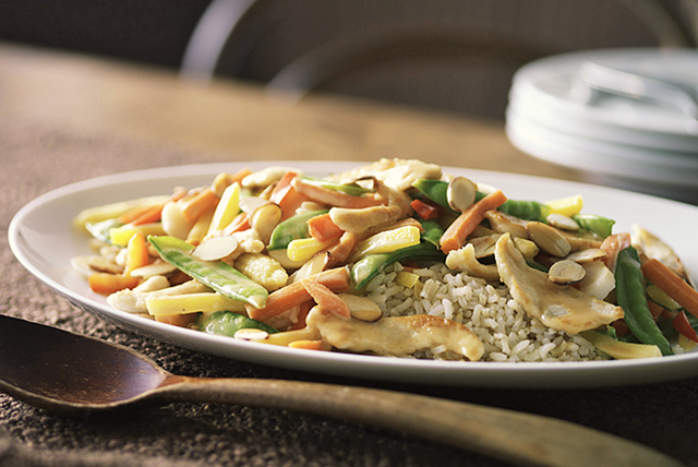 chicken-almond-stir-fry-106937 Image 1