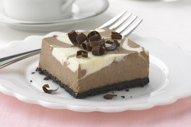 PHILADELPHIA Chocolate-Vanilla Swirl Cheesecake Image 1