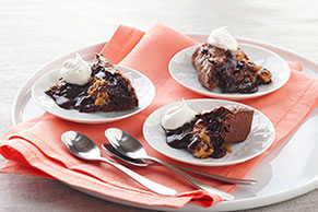 Amazing Peanut Butter-Chocolate Molten Cake