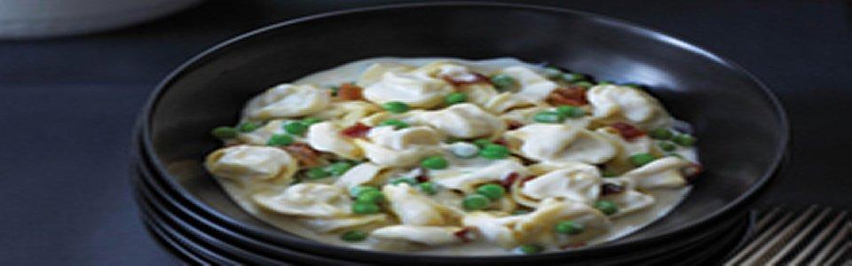 Simple & Creamy Tortellini Alfredo Image 1
