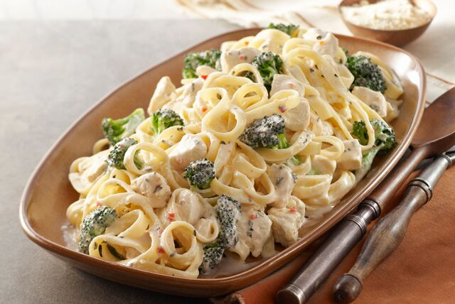 Better Choice Easy Chicken  Broccoli Alfredo - Kraft Recipes-2447