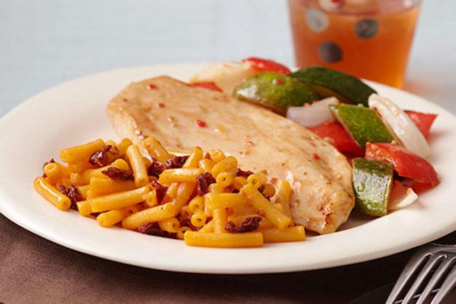 Pollo y verduras asados con macarrones con queso y chipotle Image 1
