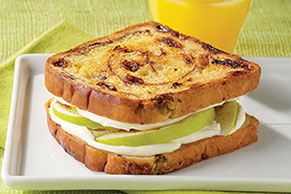 Cinnamon-Apple Morning Sandwich