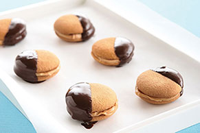 Chocolate-Dipped Peanut Butter Sandwich Cookies