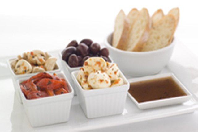 KRAFT Extra Virgin Olive Oil Antipasto Platter Image 1