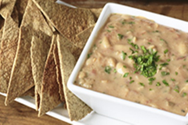 Salsa Bean Dip with Tortilla Crisps Image 1