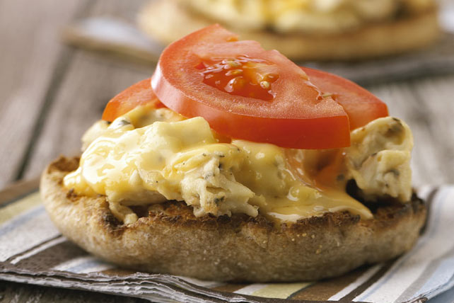 "Quick Egg and Cheese ""Muffin-wich"""