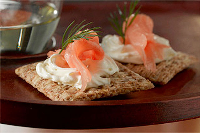 Classic Smoked Salmon & Dill Appetizers Image 1