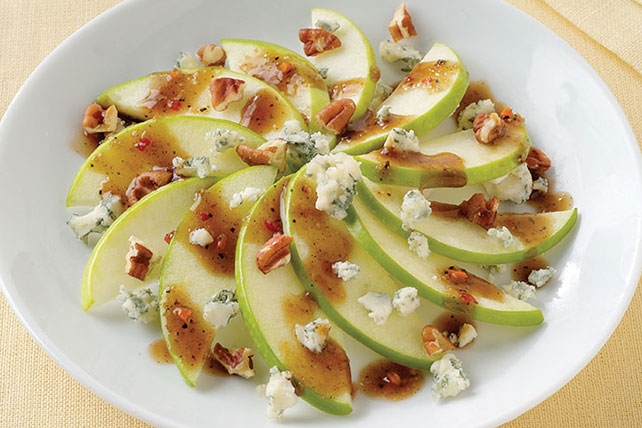 Apple| Pecan and Gorgonzola Side Salad