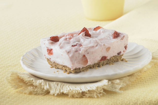 philadelphia-strawberry-fields-no-bake-cheesecake-110610 Image 1