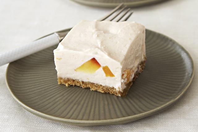 Cheesecake PHILADELPHIA de duraznos y crema sin hornear Image 1