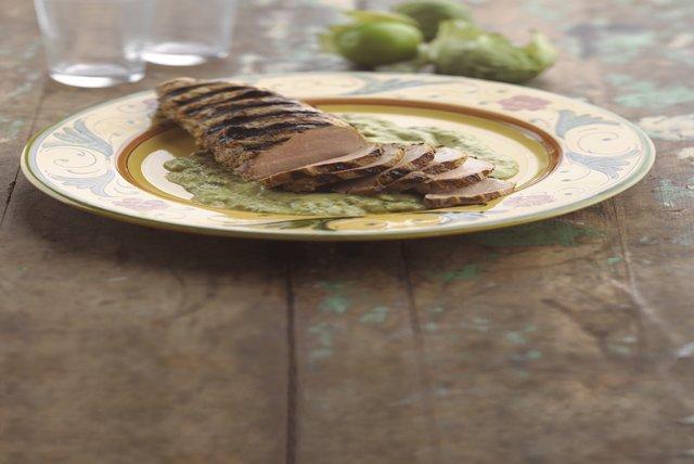 Filete de cerdo asado con salsa de aguacate Image 1