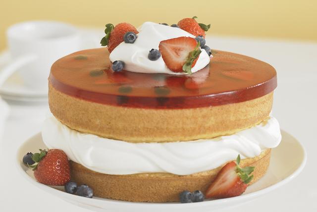 Pastel invertido con gelatina de fresa Image 1