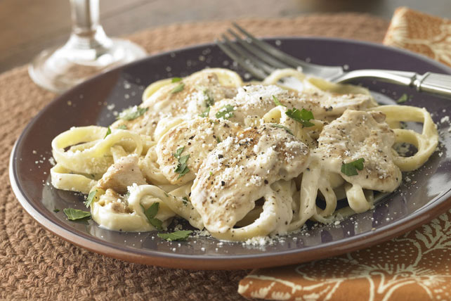 Smarter Fettuccine Alfredo with Chicken Image 1