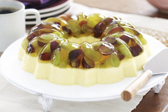 Cremoso postre de lim n con uvas frescas receta comida kraft for Cocinar guisantes frescos