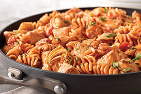 Rotini & Spicy Chicken in Creamy Tomato Sauce