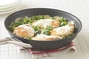 Cheesy Chicken 'n Broccoli Simmer Image 1