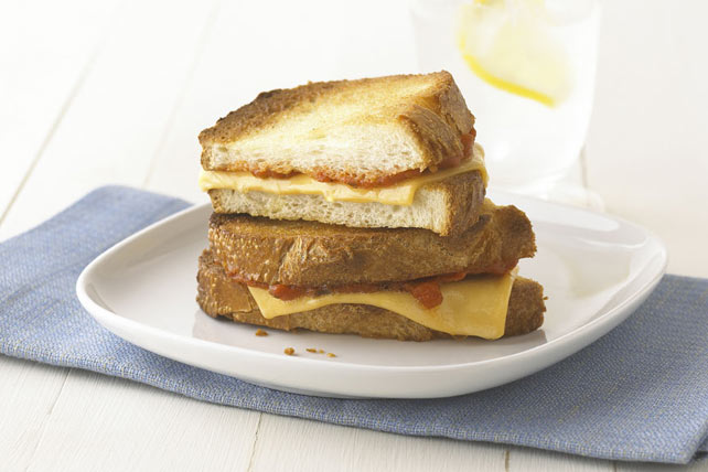 Mmm Marinara Grilled Cheese Image 1