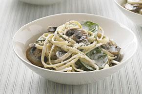 Linguines avec sauce veloutée aux champignons