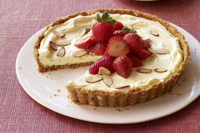 Vanilla-Almond Strawberry Tart Image 1