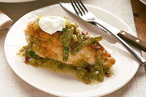 Pollo con nopalitos en salsa verde