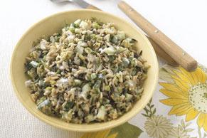 Salade de riz au concombre et à l'aneth