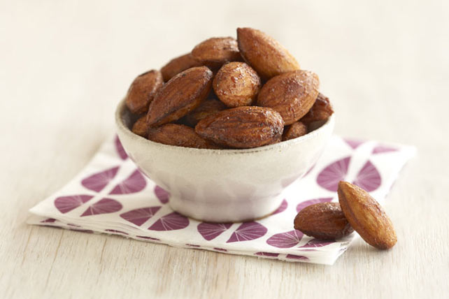 Sesame-Seasoned Almonds Image 1