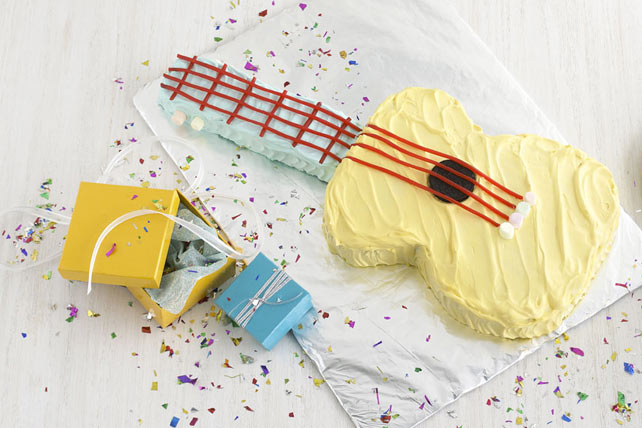 Strum-Along Guitar Cake Image 1