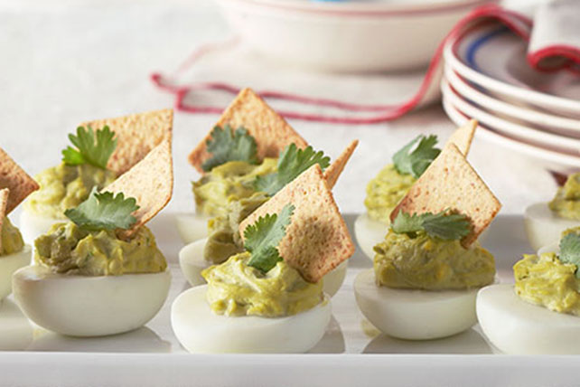 Huevos rellenos con guacamole cremoso Image 1