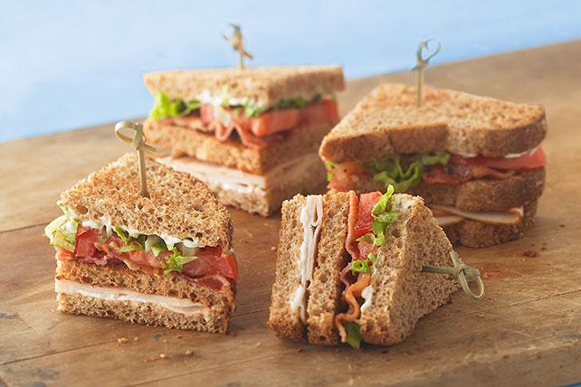 Rápido sándwich de tres pisos Image 1