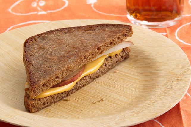 Bocadillos calientes de queso y pera Image 1