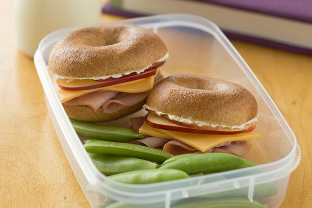 Sándwiches de roscas (bagels) pequeñitas Image 1